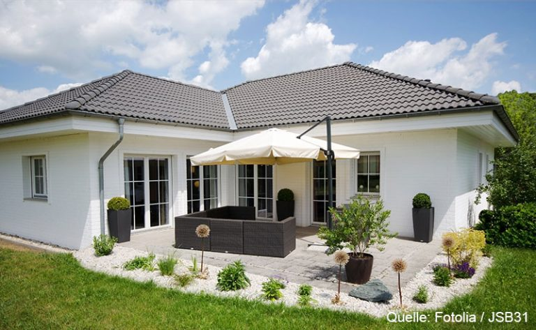Haus mit Terrasse und und Garten
