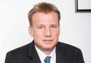 ETFs sind im Trend, sagt Niklas Helmreich von Flatex