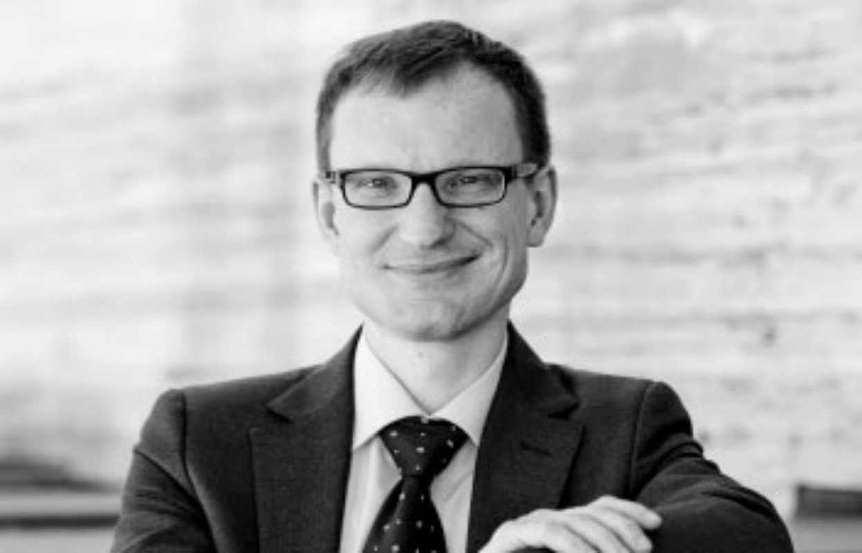 Dr. Marc-Oliver Lux