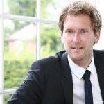 Im Sommer kämpfen 32 Nationen um den WM-Pokal. Henning Vöpel, Direktor des Hamburgischen Weltwirtschaftsinstituts, über die wirtschaftlichen Chancen des Gastgebers und seinen ETF-Weltmeister.