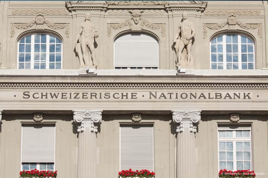 Vieles spricht dafür, dass der Schweizer Franken weiter nachgibt, auch weil die Geldpolitik der Schweizerischen Nationalbank (SNB) es so will. Anleger können mit einem ETF am Devisenmarkt mitmischen.