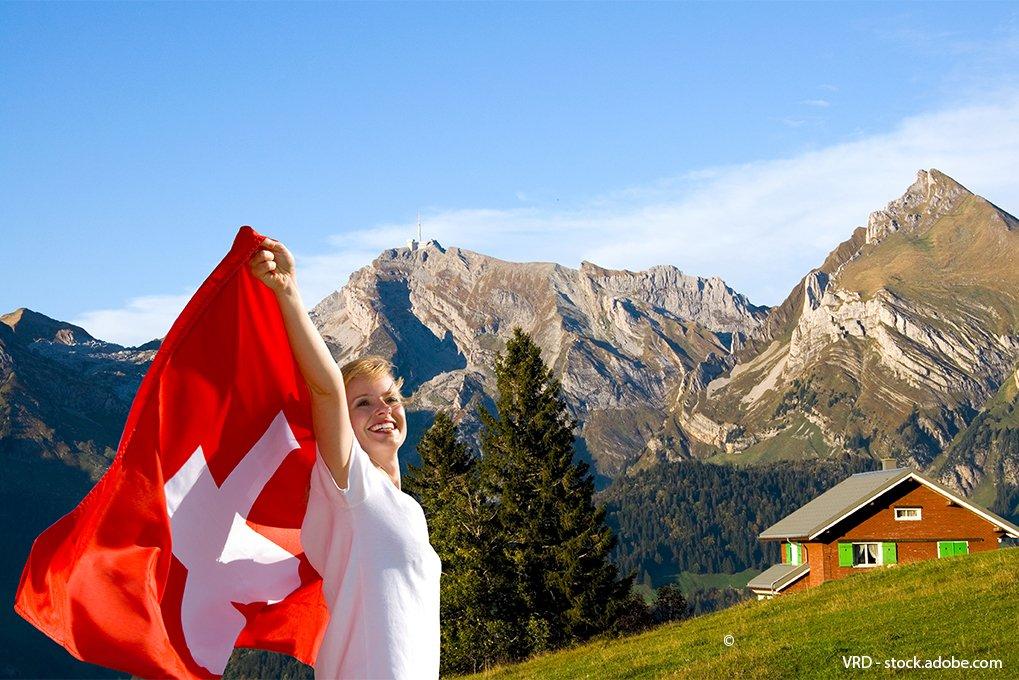 Frau-mit-Schweizer-Flagge