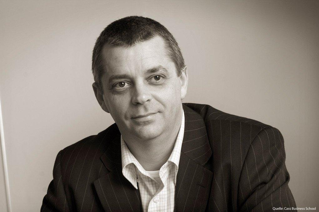 """Andrew Clare: """"Marktkapitalisierte Gewichtung ist eine schlechte Anlagestrategie"""""""