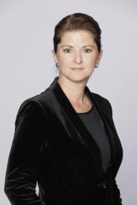 Jessica Schwarzer ist Börsenexpertin und rät Frauen zur Geldanlage mit ETFs